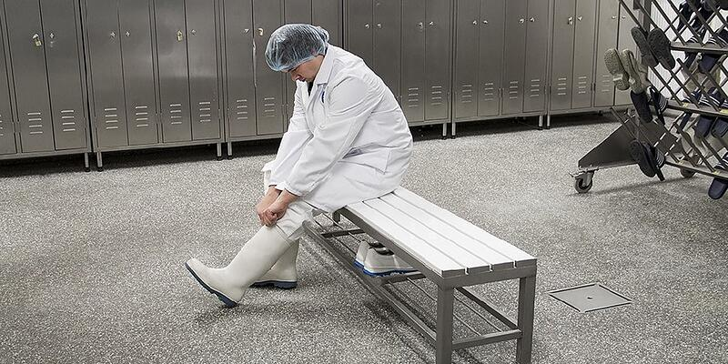 Cleaning facilities for footwear according to the BRC