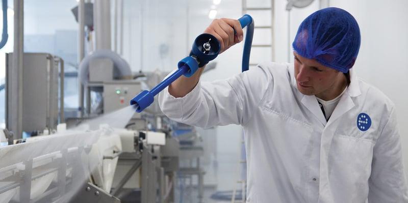 Visscher Seafood: effiziente und schnelle Reinigung mit einem individuell zusammengestellten Reinigungssystem